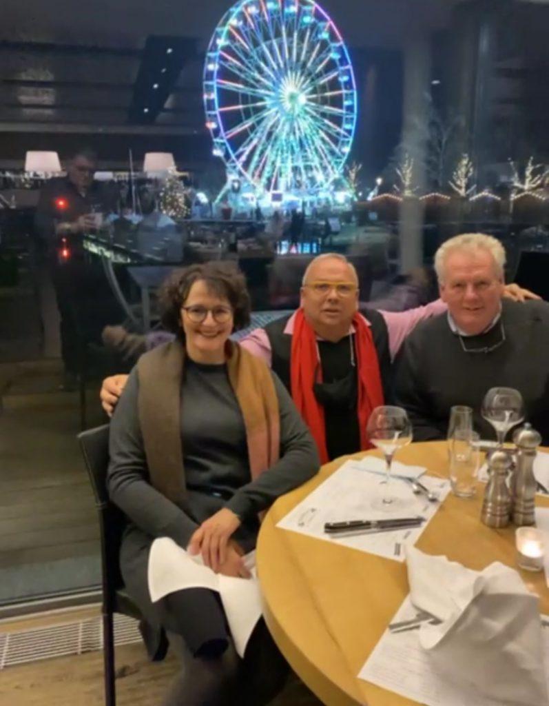 Schausteller H.P. Maier met Jan Lamberink en Kokkie Kroon in Zwitserland